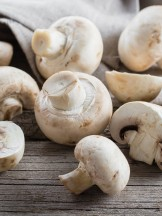 Funghi champignon - Shutterstock