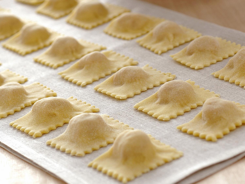 Ricetta Ravioli Sardi Fatti In Casa.Pasta Ripiena Come Si Preparano I Ravioli Di Carne Sale Pepe