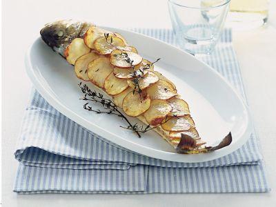 Branzino in crosta dorata di patate ricetta