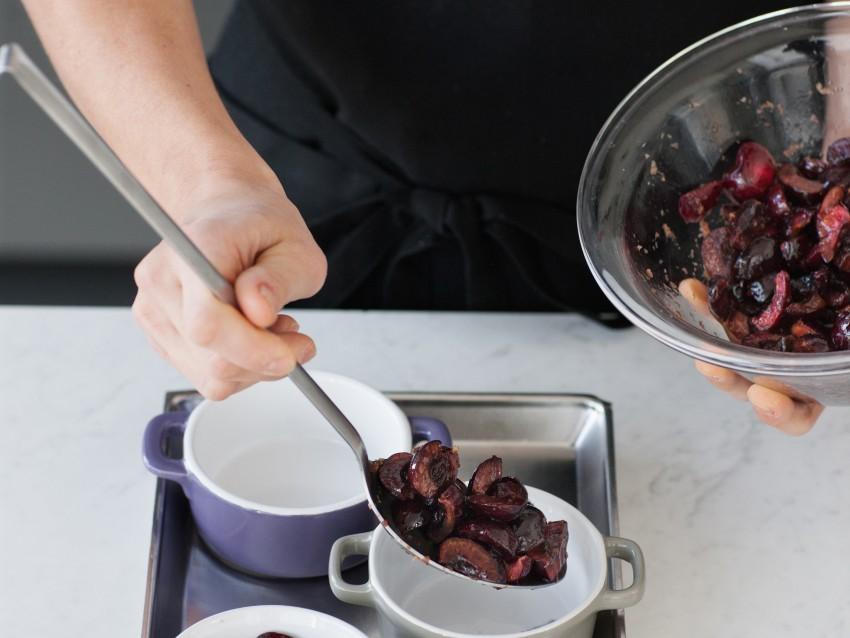 crumble di ciliegie Sale&Pepe preparazione