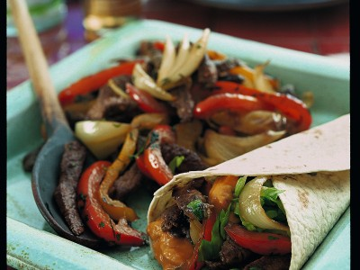 cucina messicana con le fajitas di manzo