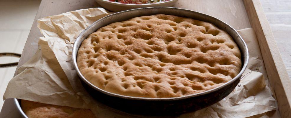 focaccia con frittelle di pomodoro Sale&Pepe ricetta