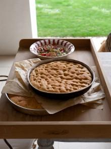 Focaccia con frittelle di pomodoro