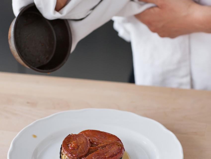 foto Tarte tatin con pomodori passiti e melanzane al forno  Sale&Pepe