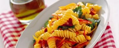 pasta con ricotta pomodori secchi e peperoni