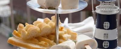gelatini con formaggio e pomodori
