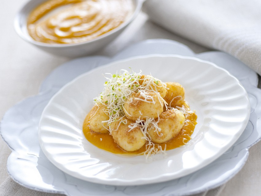 gnocchi con cuore di montasio e crema di zucca Sale&Pepe ricetta
