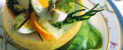 insalata verde al gusto cedro con uova sode