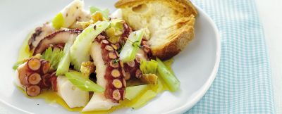 insalata di pesce con piovra sedano e noci