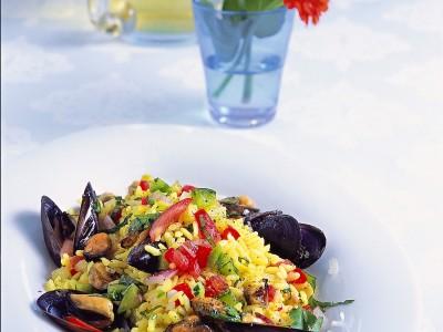 insalata con il riso giallo