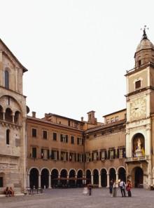Viaggio tra le botteghe e bontà di Modena