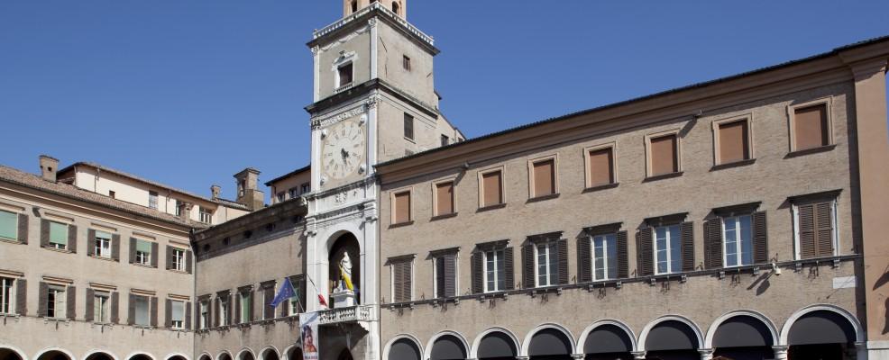 Torre dell'orologio in Piazza Grande a Modena