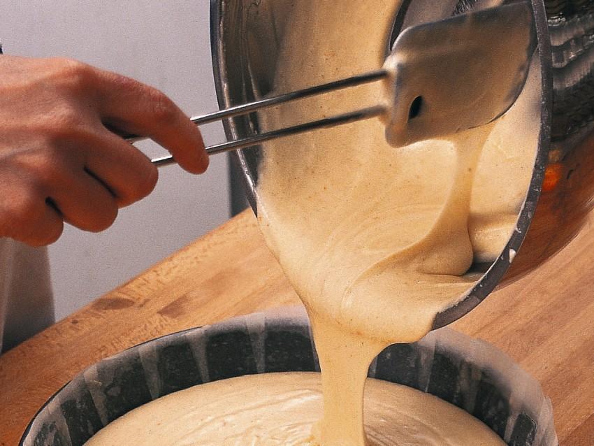 Pan di Spagna con latte e uova Sale&Pepe
