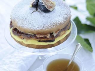 Pan di Spagna farcito con crema e composta Sale&Pepe ricetta