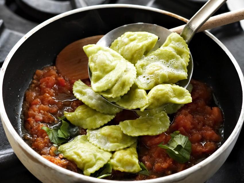 Pansotti di gamberi e zucchine al pomodoro Sale&Pepe step
