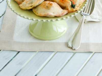 Ricetta panzerotti pisellini, pomodori e mozzarella