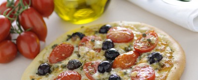 Ricetta pizza con olive e capperi