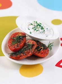 Pomodorini all'aglio con crema di formaggio