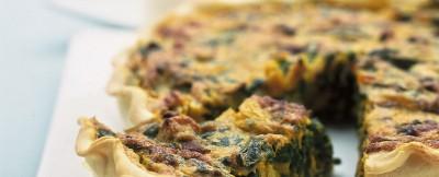 Croccante quiche al forno con ripieno morbido e gustoso alla zucca ed alle erbette aromatiche