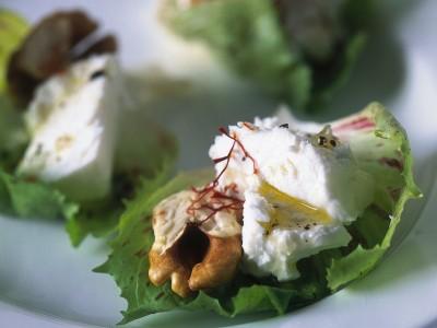 Radicchio al formaggio caprino perfetto per un antipasto fresco e salutare