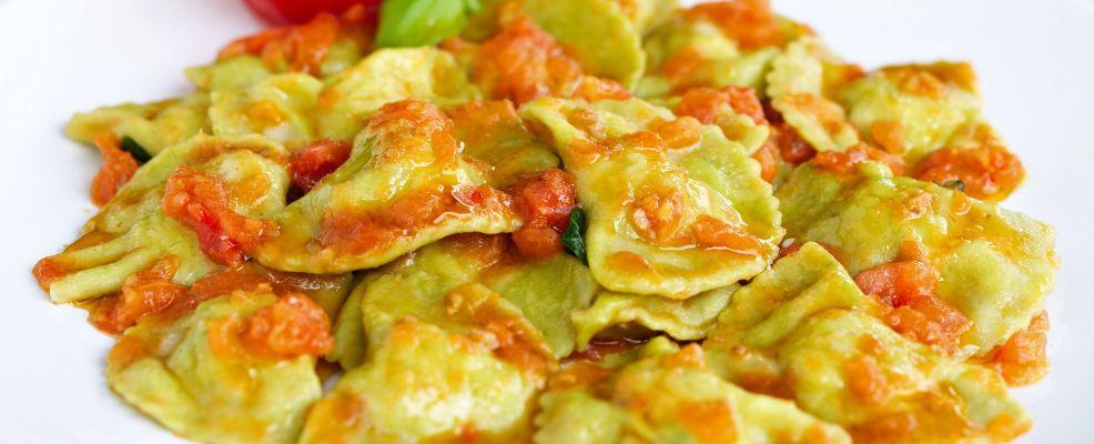 ricetta Pansotti di gamberi e zucchine al pomodoro Sale&Pepe