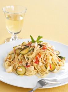 Spaghetti con branzino e zucchine alla menta