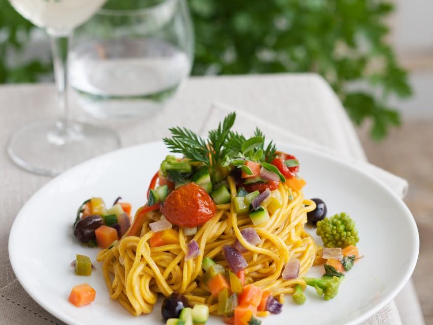 ricetta Spaghetti alle carote e curcuma con verdure Sale&Pepe