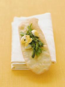 Sfogliette croccanti con asparagi e uova