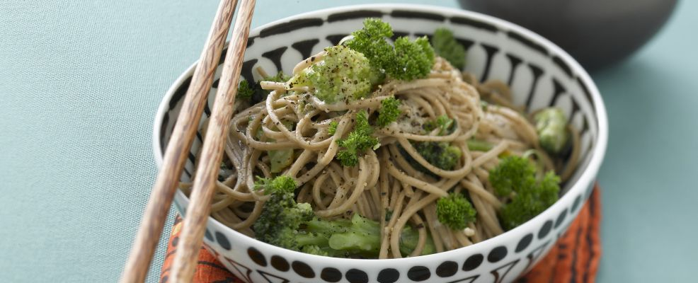 Soba con broccoli e formaggio Sale&Pepe ricetta