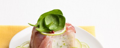 Spuma di pesce con scorfano e pesce spada, al profumo esotico di lime.