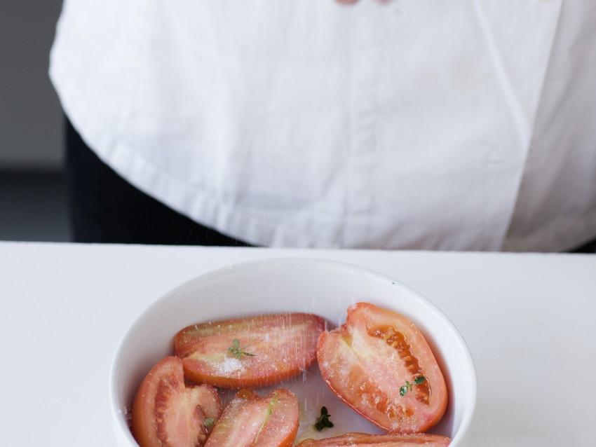 Tarte tatin con pomodori passiti e melanzane al forno  Sale&Pepe
