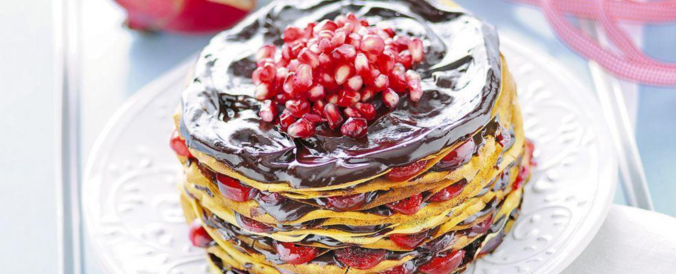 Torre di crepes al cioccolato Sale&Pepe  ricetta