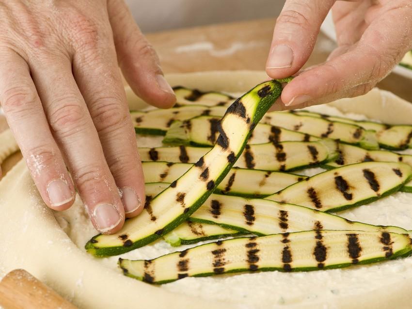 Torta salata aperta con ricotta e zucchine Sale&Pepe foto