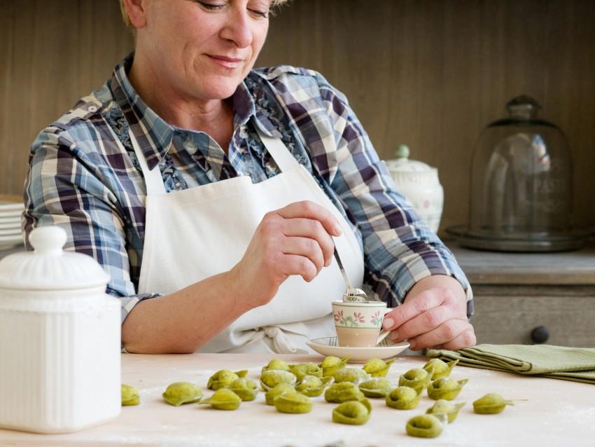 Tortelloni verdi di ricotta burro e oro Sale&Pepe step