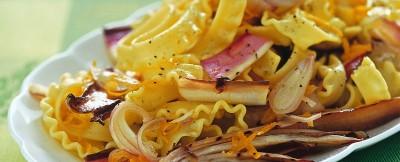 Ricetta trenette con radicchio marinato all'arancia