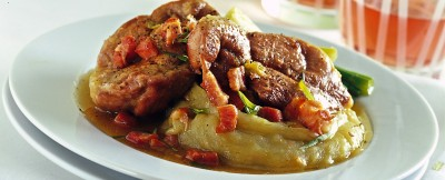 agnello-brasato-con-pure-di-patate-e-cipollotti ricetta