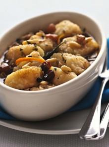 Agrodolce di baccalà con uvetta e pinoli