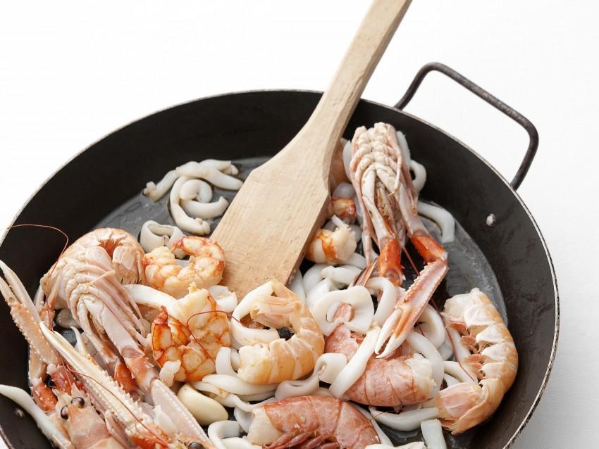 arroz-a-banda-con-crostacei-e-molluschi