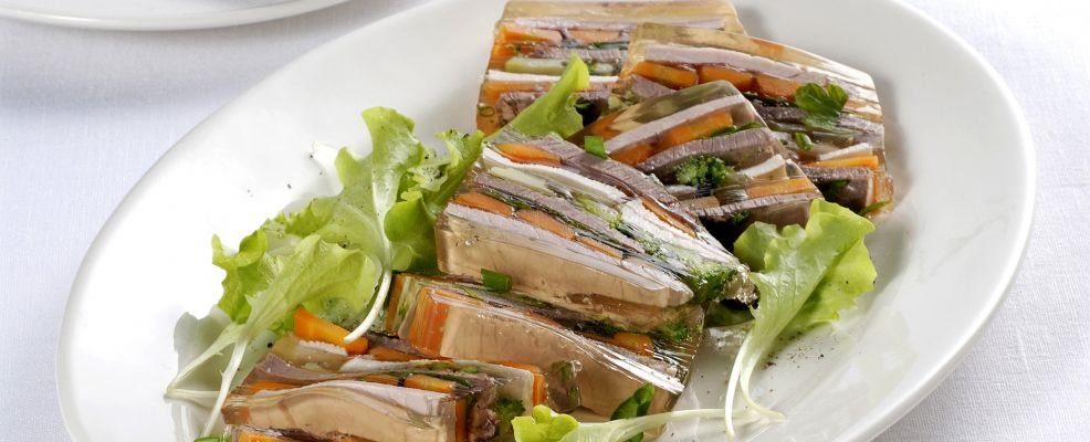 aspic-di-carni-miste-e-verdure