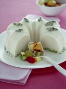 La bavarese al latte e pistacchi