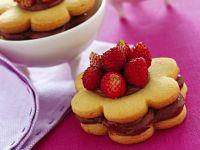 biscotti-ripieni-con-fragoline-di-bosco ricetta