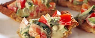 bocconcini di torta salata alla macedonia di verdura