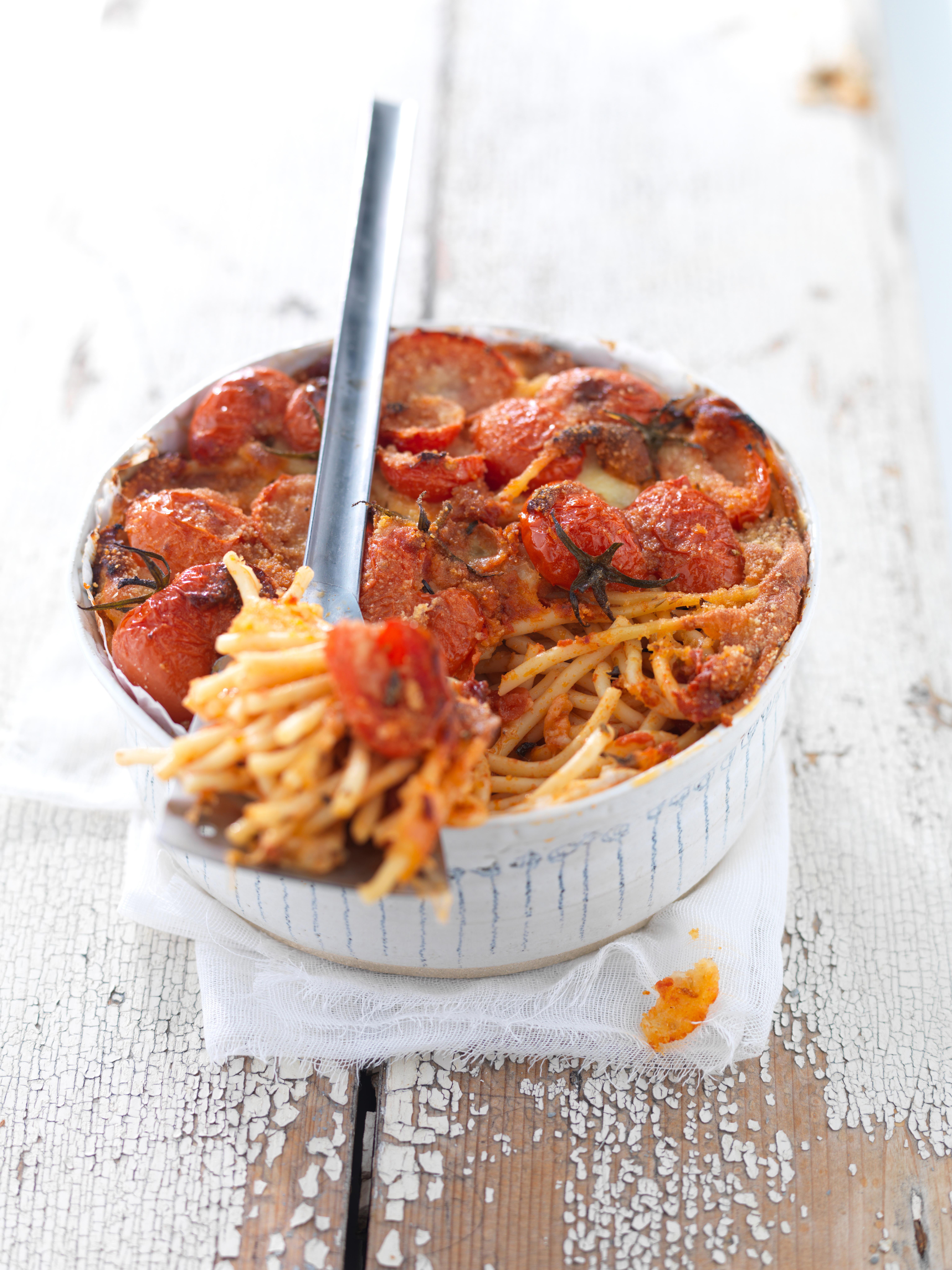 bucatini-alla-pizzaiola