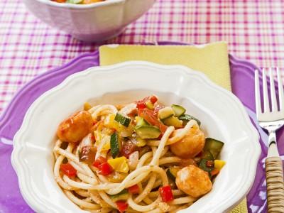 bucatini-con-verdure-al-forno-e-polpette-di-formaggio