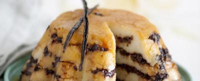 budino-di-semolino-con-amarene-e-albicocche-secche