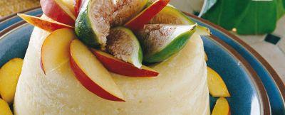 budino di pesche noci con salsa di fichi ricetta