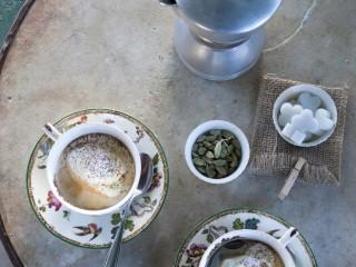 caffe-al-cacao-e-cardamomo-con-zabaione-montato