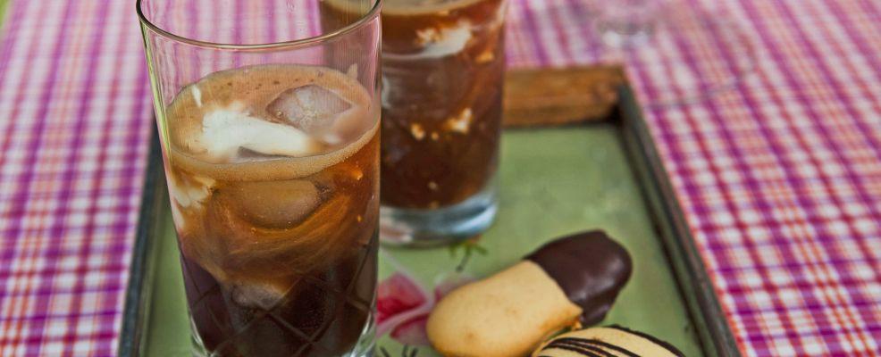 caffe-freddo-speziato-con-panna ricetta