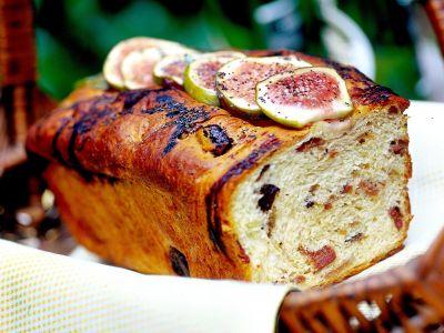 cake-di-prosciutto-olive-e-fichi