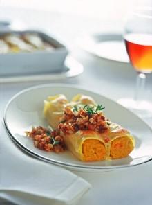 Cannelloni con crema di zucca e trito croccante